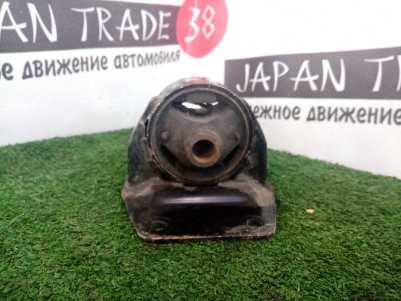 Подушка акпп Toyota Hiace KDH205 1KDFTV задняя
