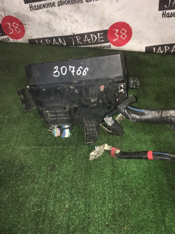 Блок предохранителей Toyota Corolla Fielder NZE141 2ZR-FE