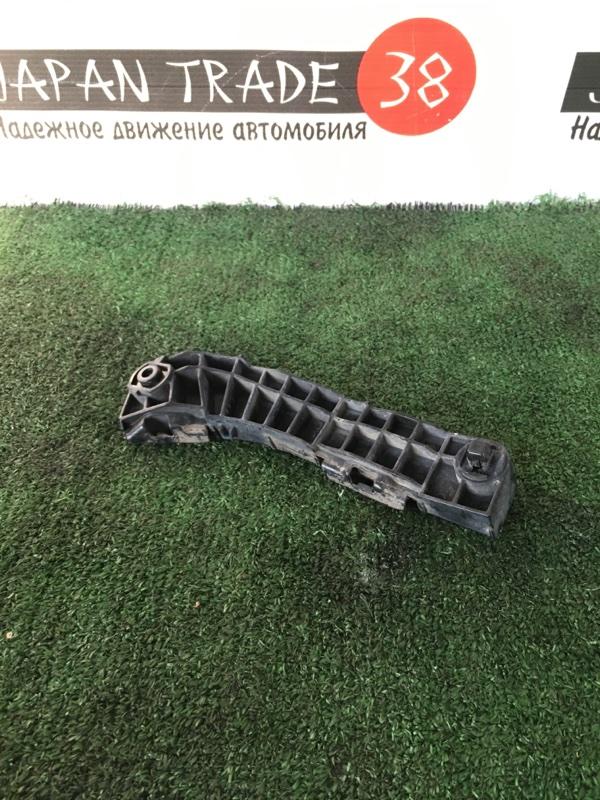 Крепление бампера Toyota Camry ACV40 переднее левое
