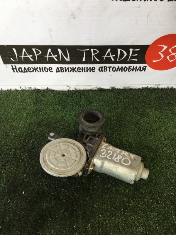 Моторчик стеклоподъемника Toyota Camry ACV30 2AZ-FE задний левый