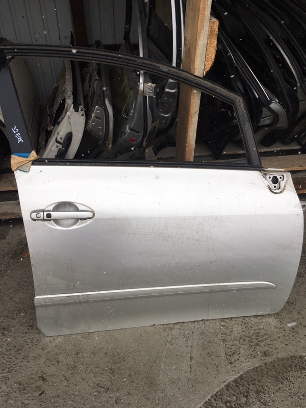 Дверь Toyota Blade GRE156 передняя правая