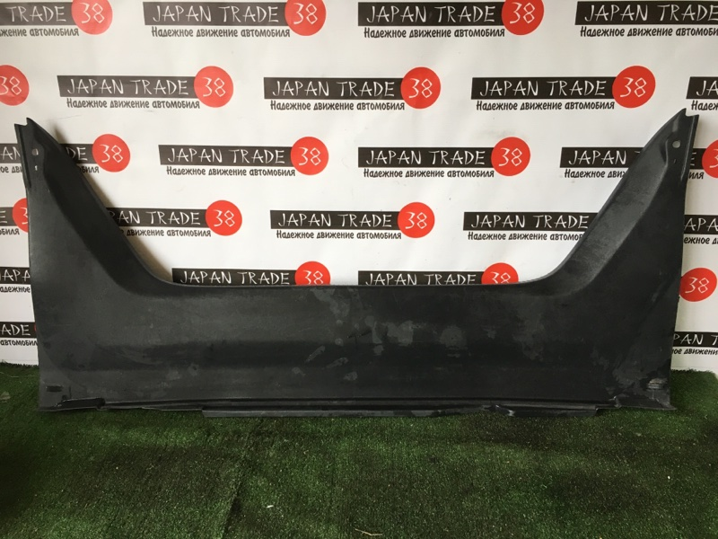 Накладка замка багажника Toyota Camry ACV30 задняя