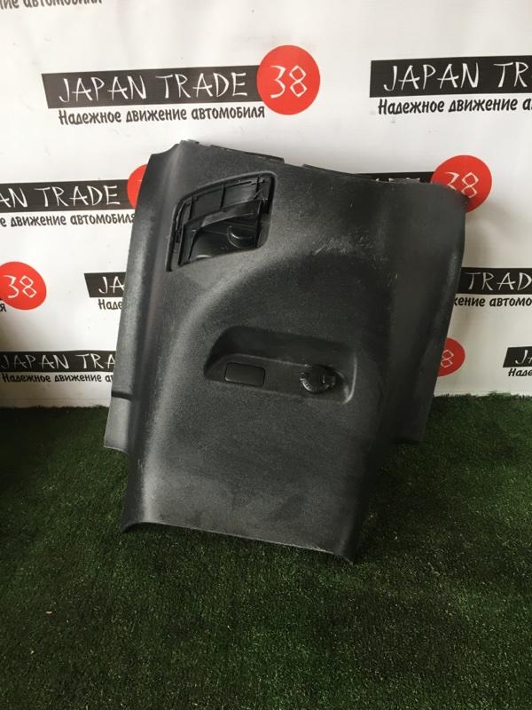 Консоль торпеды Toyota Wish ZNE10 передний
