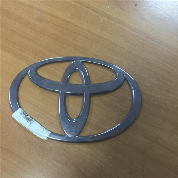Значек Toyota Dyna
