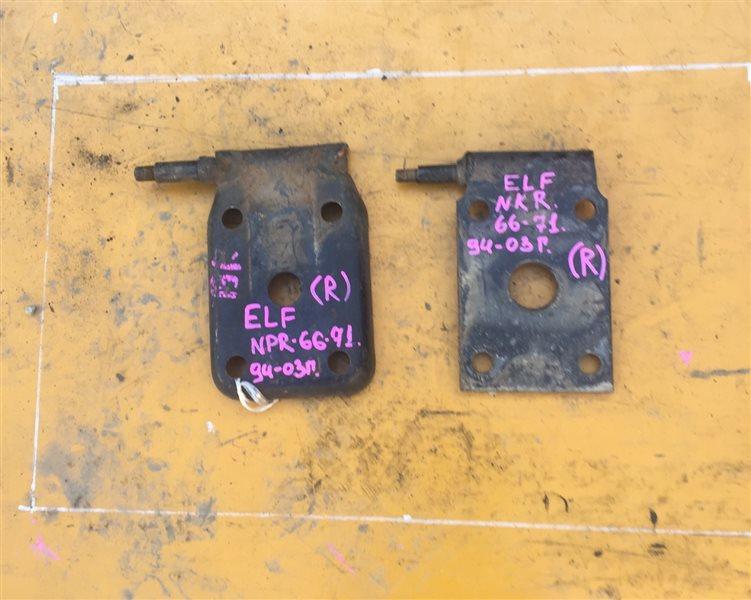 Крепление аммортизатора Isuzu Elf NKR66-71 94 заднее правое