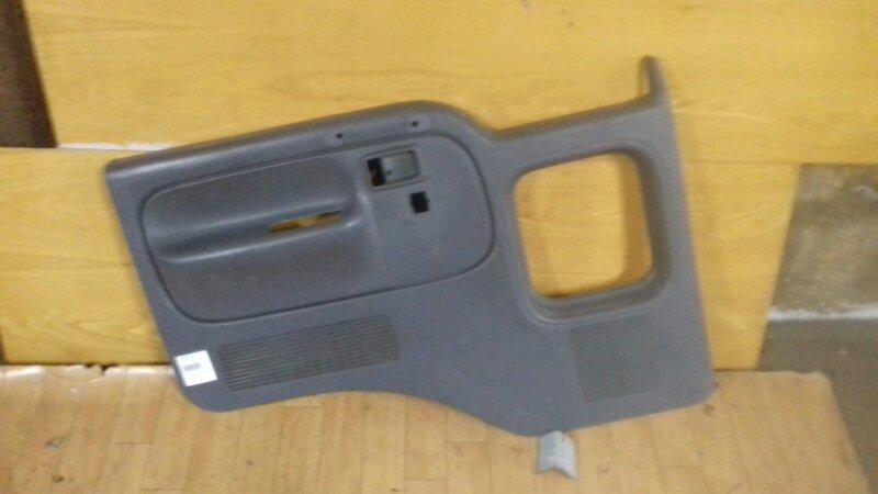 Обшивка двери Nissan Atlas H41/F23 94 левая