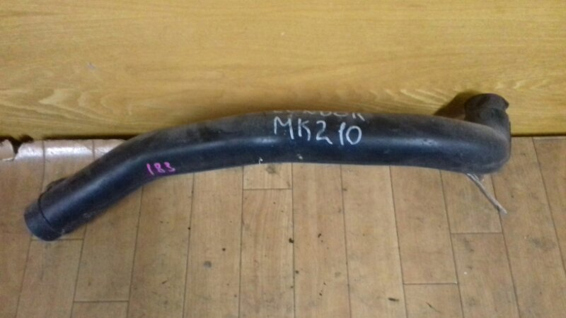 Гофра корпуса воздушного фильтра Nissan Diesel MK210-250 FE6 94