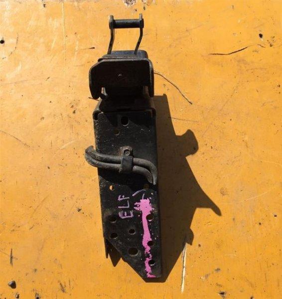 Подушка кабины Isuzu Elf NKR66-71/NPR66-71 4HF1/4HG1/4HJ1/4HL1/4HK1T/4HE1 94 задняя левая