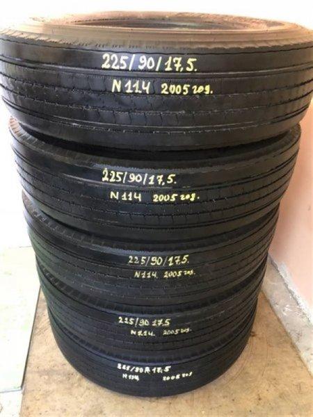 Грузовая авторезина Bridgestone R225 2005