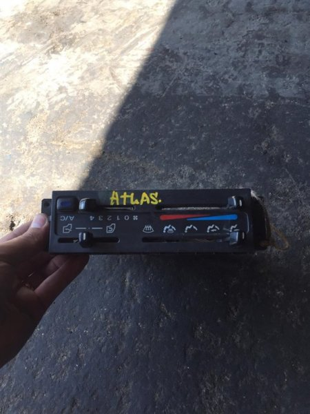 Блок управления печкой Nissan Atlas/condor H41/F23 FD42/FD46/TD23/TD25/TD27/QD32/KA20 93