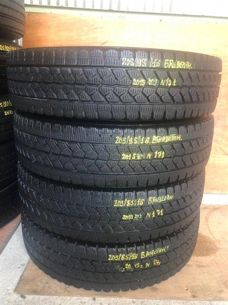 Авторезина грузовая Bridgestone W979 2015