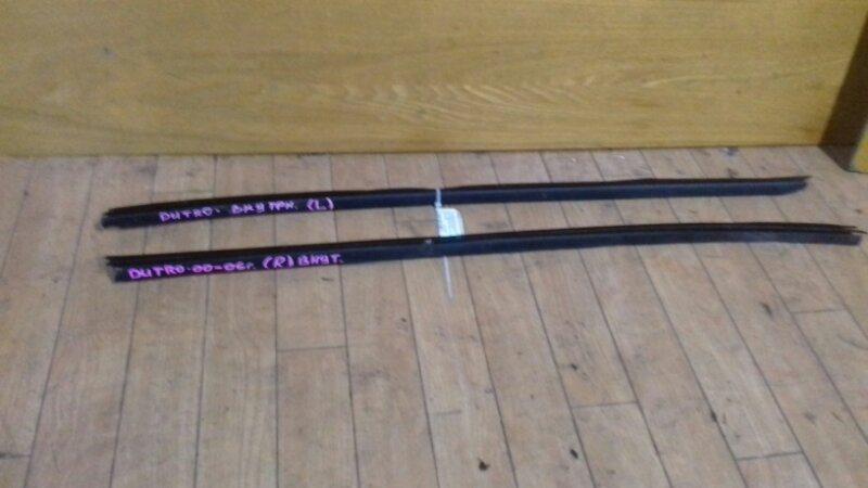 Уплотнитель стекла Hino Dutro XZU307-412 S05C/S05D/J05C/4B 99 левый