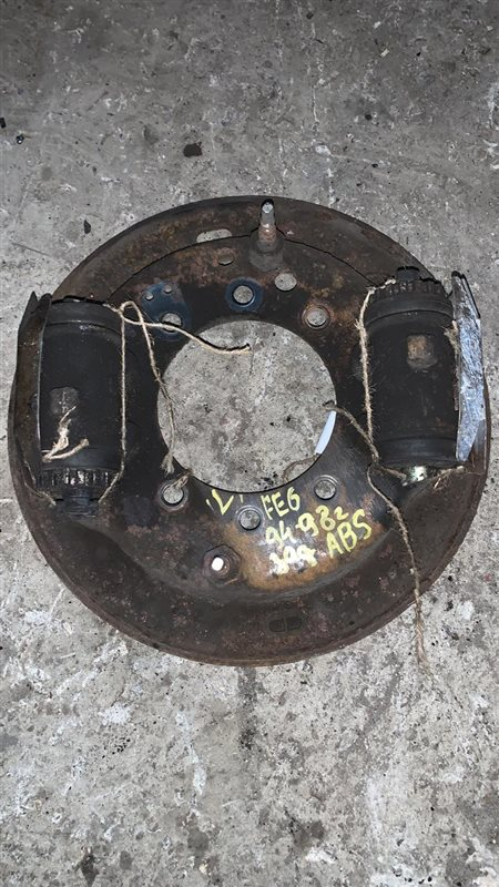 Рабочий тормозной цилиндр Nissan Diesel MK210-260 FE6 94 задний левый