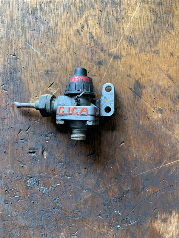 Воздушный клапан Isuzu Giga CHX71-81 10PD1/10PE1 91