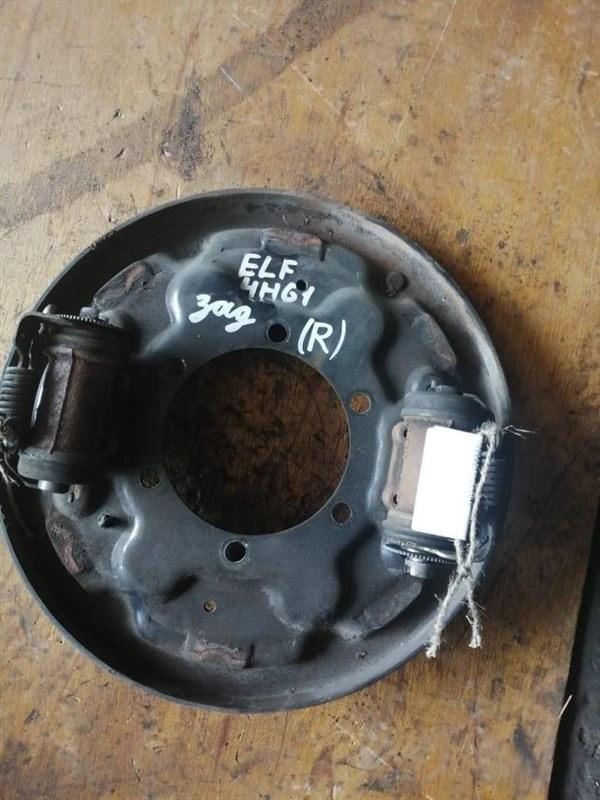 Рабочий тормозной цилиндр Isuzu Elf NKR66-71/NPR66-71 4HF1/4HG1/4JG2 94 задний правый
