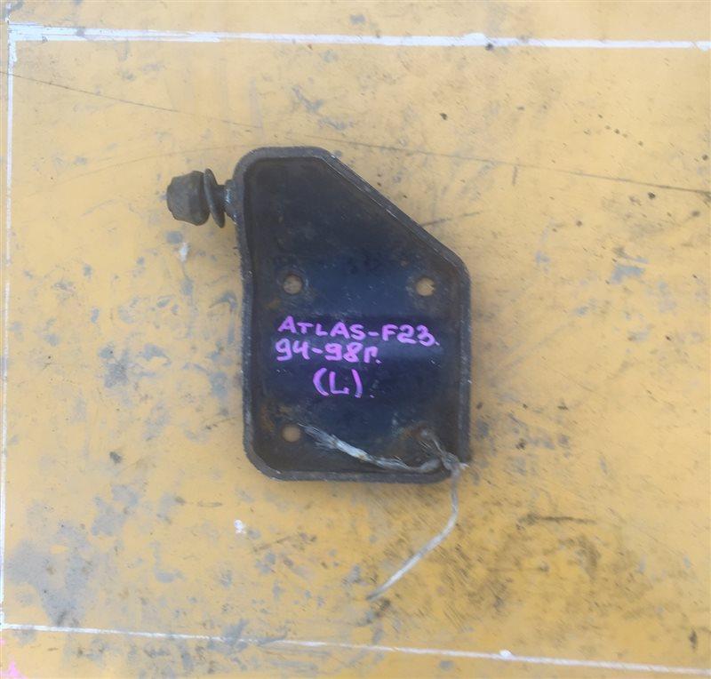 Крепление аммортизатора Nissan Atlas F23 94 заднее левое