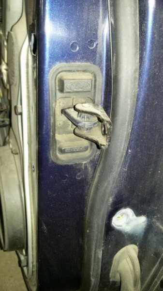 Ограничитель двери Ford C-Max C214 AODA 2005 задний левый