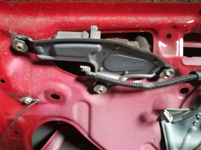 Мотор дворников Toyota Raum NCZ20 задний