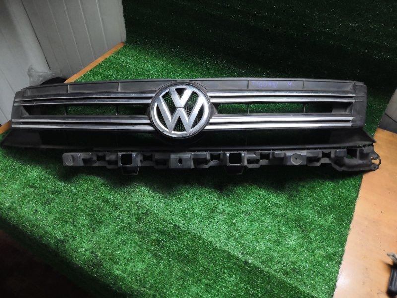 Решетка радиатора Volkswagen Tiguan NF 2012 передняя
