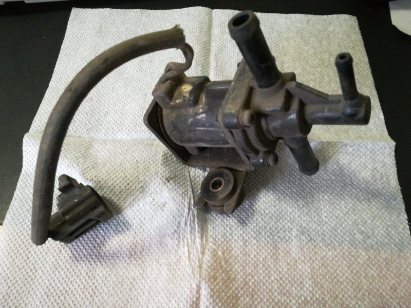 Клапан Mazda Bongo Friendee SGL5 WL 1997