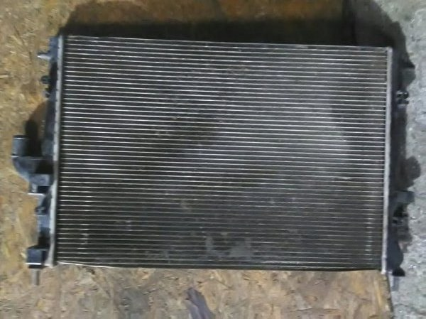 Радиатор двс Renault Duster HSA K4MA606 2013