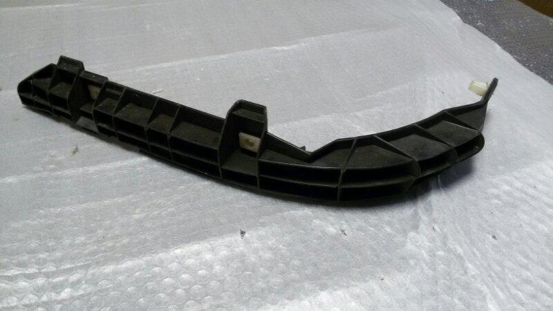 Крепление бампера Toyota Corolla Fielder ZZE122 1ZZ-FE 2005 заднее правое