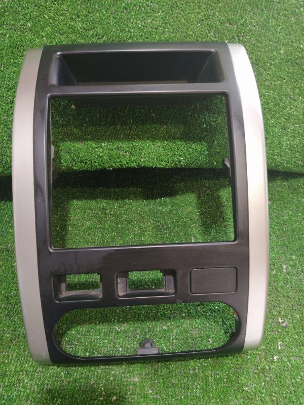 Рамка магнитолы Nissan X-Trail NT31 MR20 2011