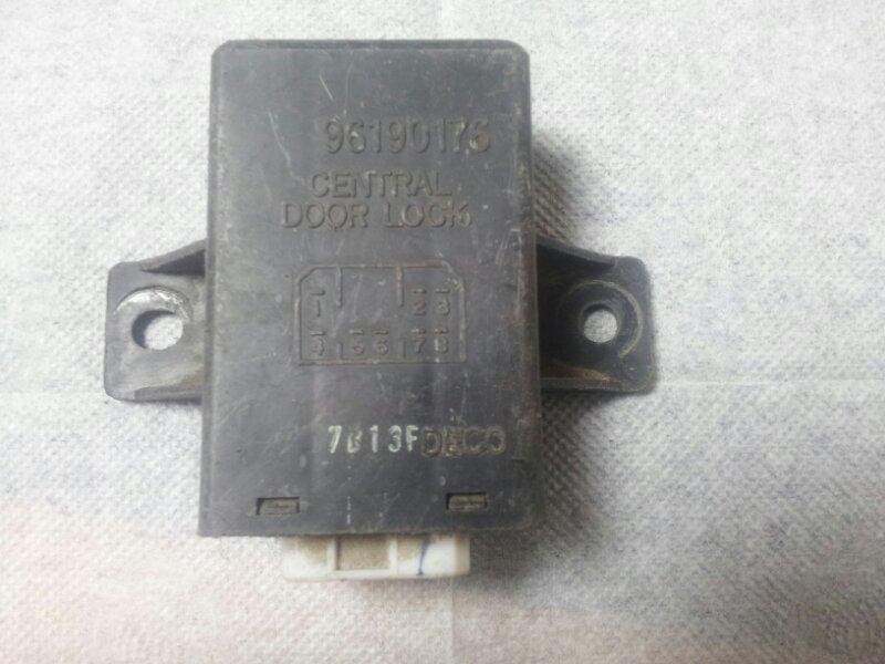 Блок управления центральным замком Infiniti Fx35 S50 VQ35DE 2004
