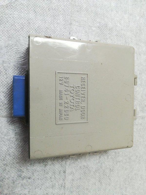 Блок управления дверьми Toyota Mark Ii JZX100 1JZ-GE 2001