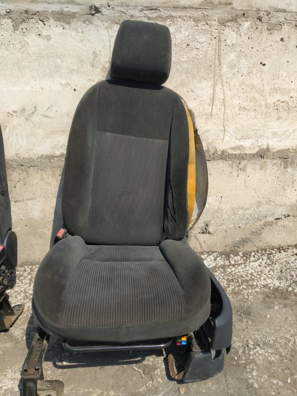 Сиденья Ford C-Max C214 AODA 2005 передняя левая