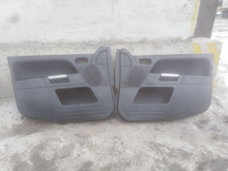 Обшивка двери Ford Fusion CBK FXJA 2008
