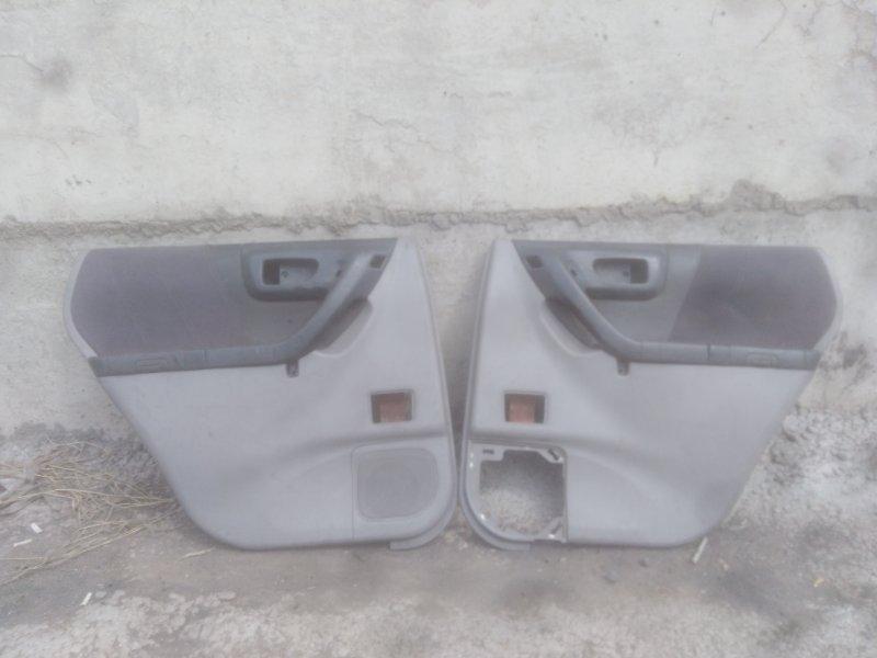 Обшивка двери Subaru Forester SF5 EJ20 2000