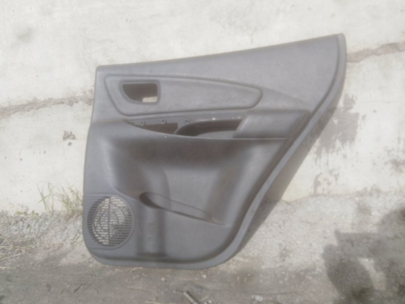 Обшивка двери Hyundai Tucson JM G4GC 2006 задняя правая