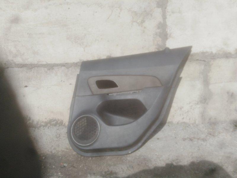 Обшивка двери Chevrolet Cruze J300 F16D3 2011 задняя правая