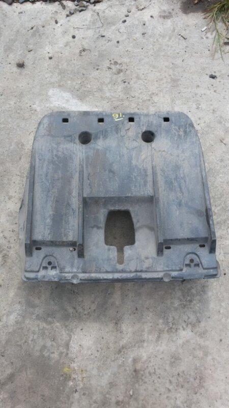 Защиту топливного бака Honda Inspire UC1 J30A 2003