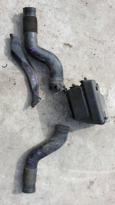 Патрубок воздушного фильтра Mercedes-Benz Ml 500 W164 113.964 2005