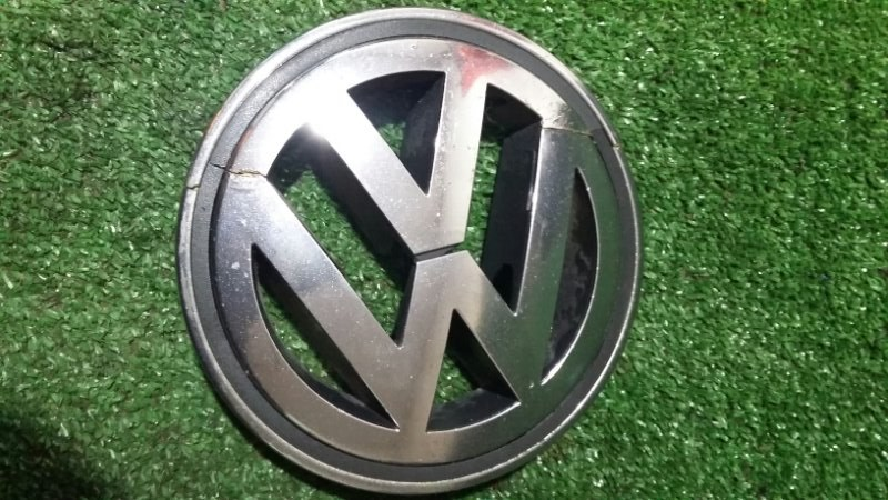 Эмблема Volkswagen Passat B6 3C2 BVY 2006 передняя