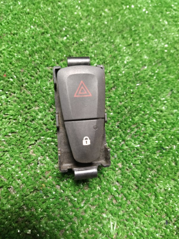 Кнопка аварийной сигнализации Renault Fluence L30R K4M 2012