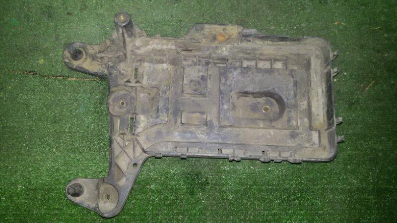 Площадка под аккумулятор Volkswagen Passat B6 3C2 BVY 2006