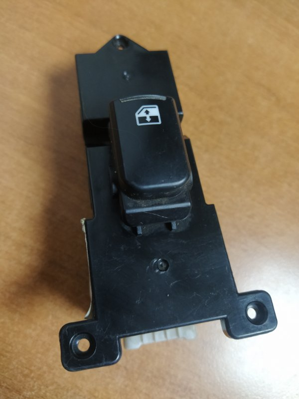 Кнопка стеклоподъемника Hyundai Ix55 EN G6DA 2009 задняя