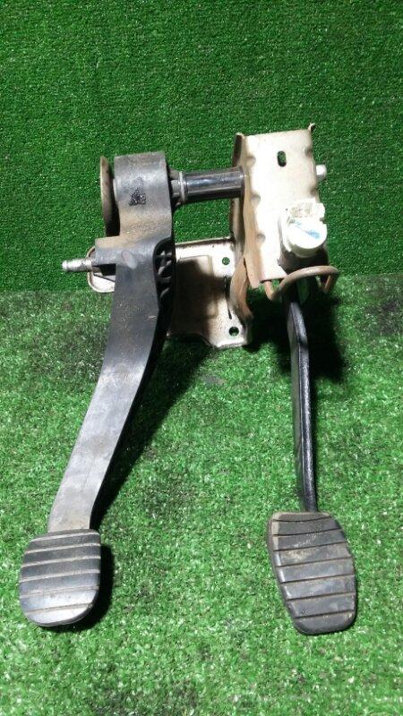 Педаль сцепления Nissan Almera G15 K4MF496 2016