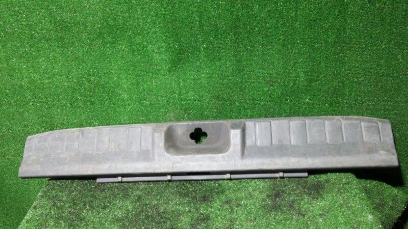 Накладка багажника Nissan Pathfinder R51 YD25 2006
