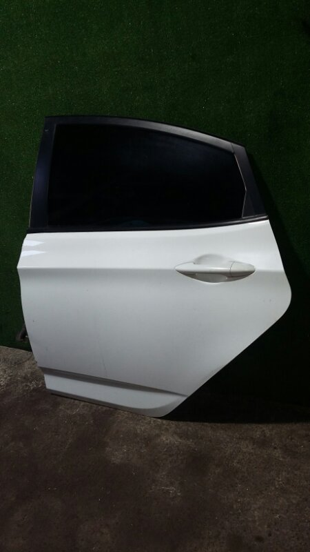 Дверь Hyundai Solaris G4FA 2014 задняя левая
