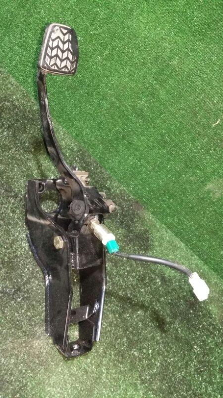 Педаль тормоза Lifan X50 215851 LF479Q2 2015
