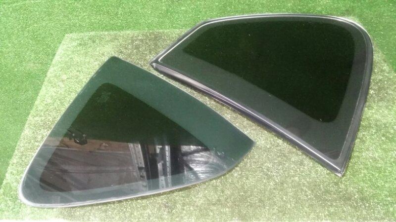 Стекло собачника Toyota Ipsum SXM10 3S-FE 1998 правое