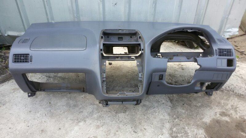 Торпедо Toyota Ipsum SXM10 3S-FE 1998
