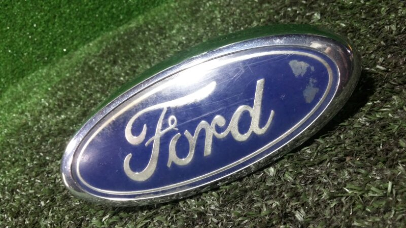 Эмблема Ford Kuga CBV G6DG 2008 передняя