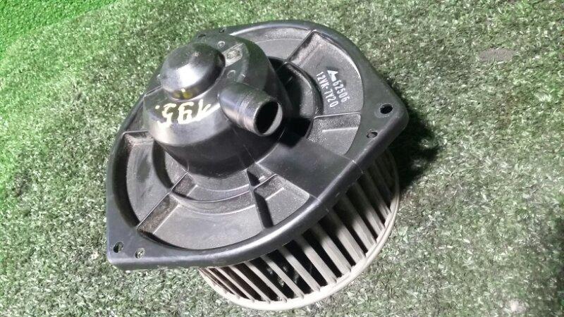 Мотор печки Nissan R'nessa N30 SR20DE 1997