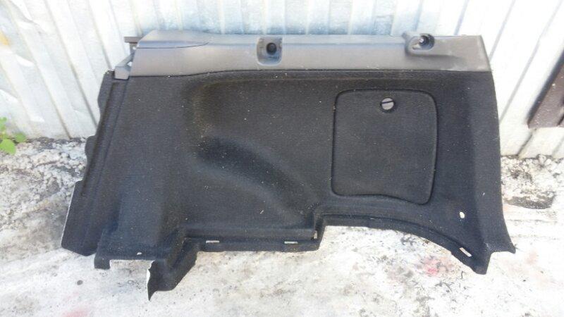 Обшивка двери багажника Toyota Corolla Fielder ZZE122 1ZZ-FE 2005 задняя