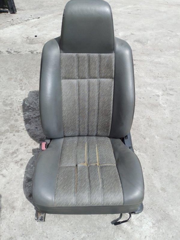 Сиденья Toyota Corolla CE107 3C 1999 передняя левая